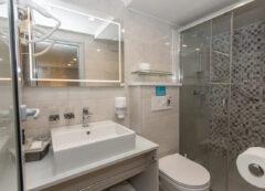 Nave da crociera deluxe: Bagno con doccia privato